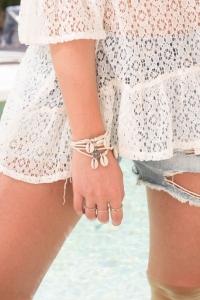 bracelet-lien-cowrie-beige